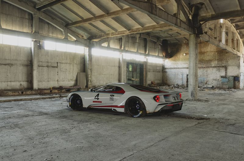 Ford GT - Martini Racing