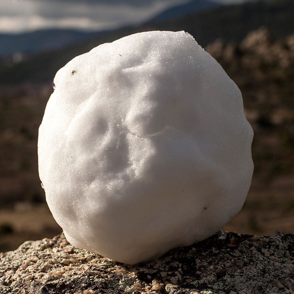 Shaders Xyz Challenge 01 Snowball Ref 02 Carlkrause