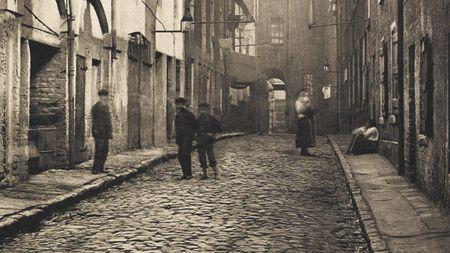 English Street/Alley