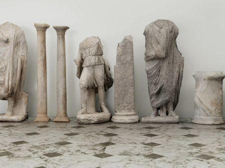 Roman statues destruction