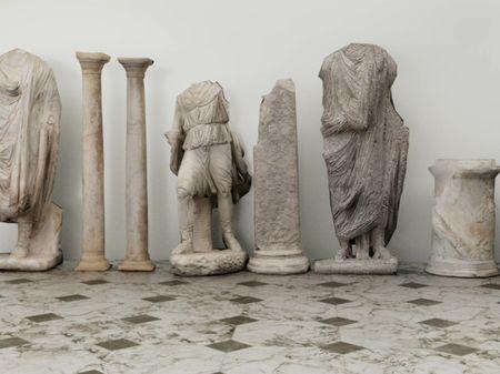 Roman statues destruction