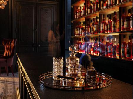 New Baroque Bar Scene